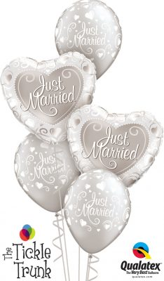 Just Married Hearts Classic Balloon Bouquet WD-04